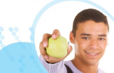 בחור ותפוח