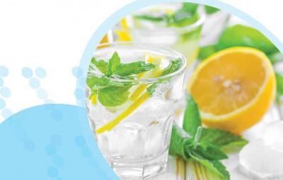 מים ולימון