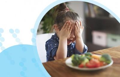 ילדים אוכלים