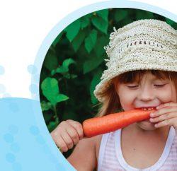 ילדה אוכלת גזר